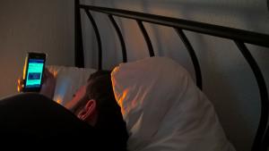 A falta de sono e o Facebook: um estudo diferente