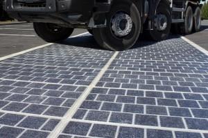Read more about the article França planeia pavimentar 1000 km de estrada com painéis solares