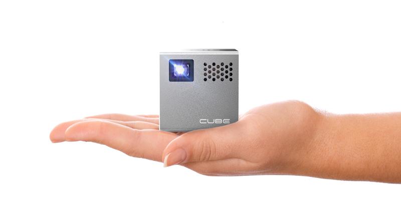 Cubo Projector RIF6 – a parede lá de casa é uma tela de cinema