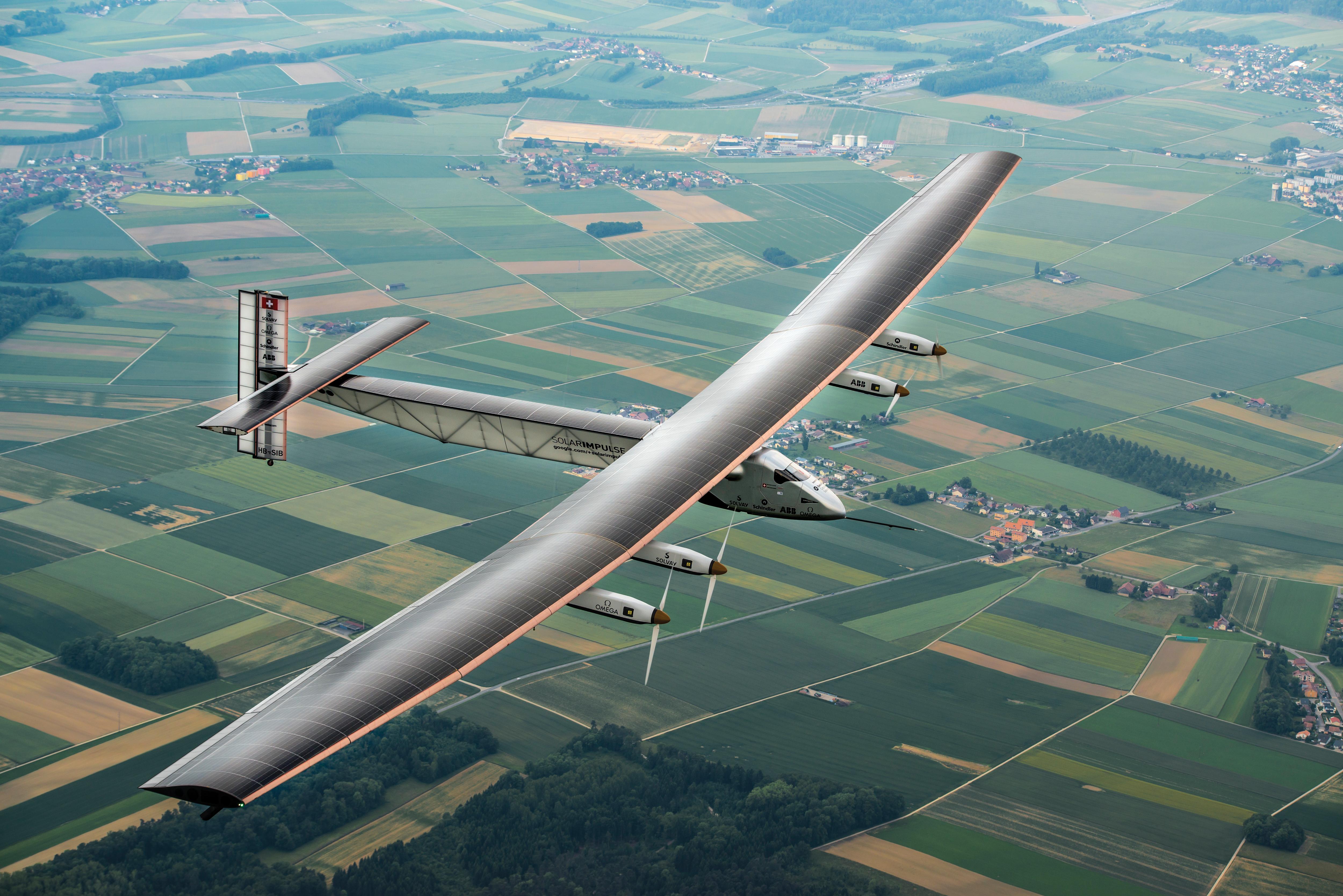 Read more about the article Avião solar está pronto a descolar
