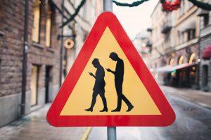 Read more about the article Top 6 situações onde telemóveis nos ajudam a ultrapassar o embaraço