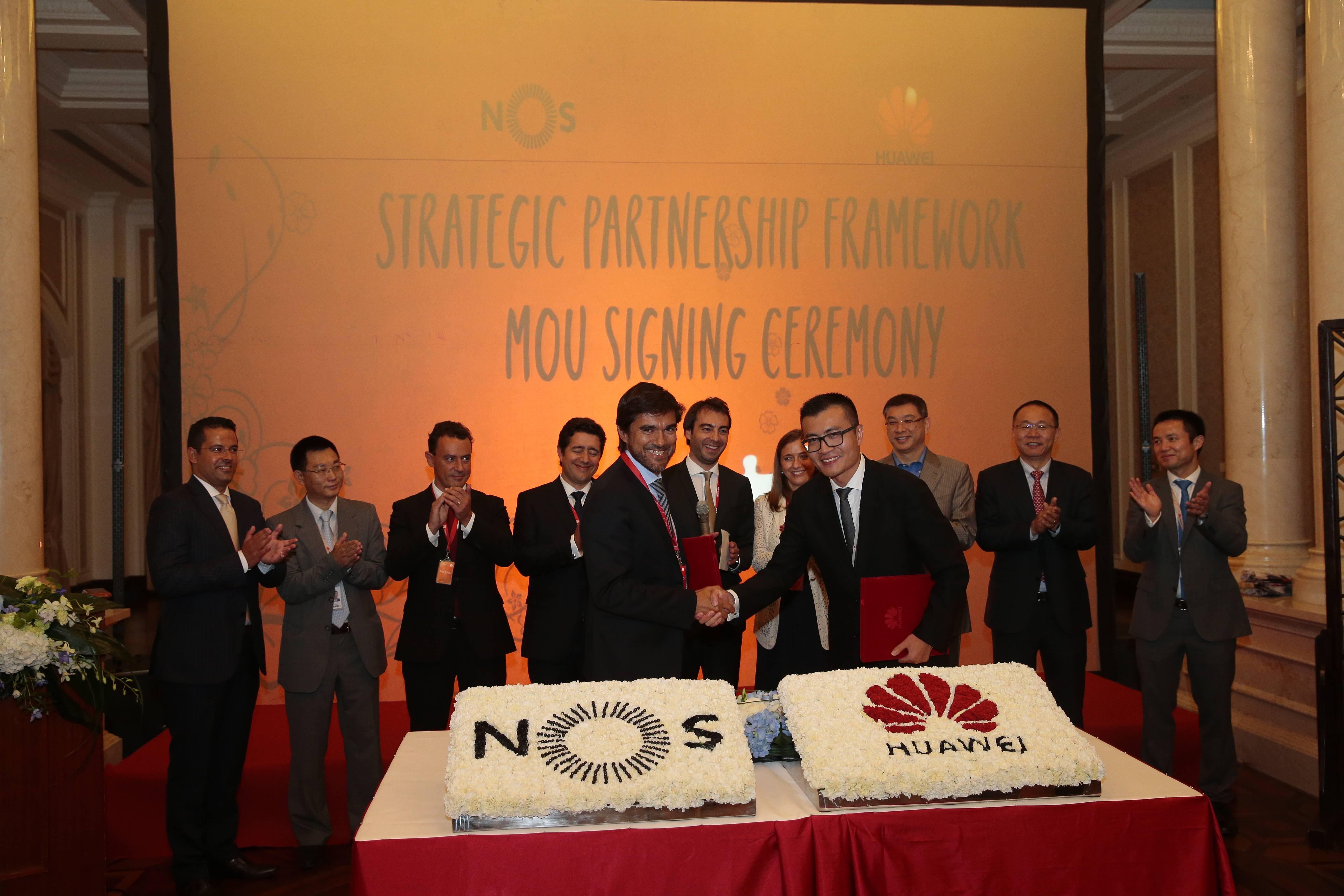 NOS e HUAWEI formalizam parceria estratégica