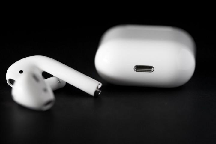 AirPods estão finalmente à venda no site da Apple