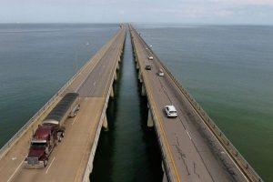 Read more about the article Obras da Engenharia: Conheça a ponte que desaparece no mar