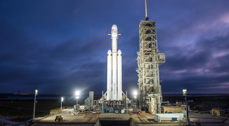 Reveja o lançamento do Falcon Heavy, a revolução da exploração espacial