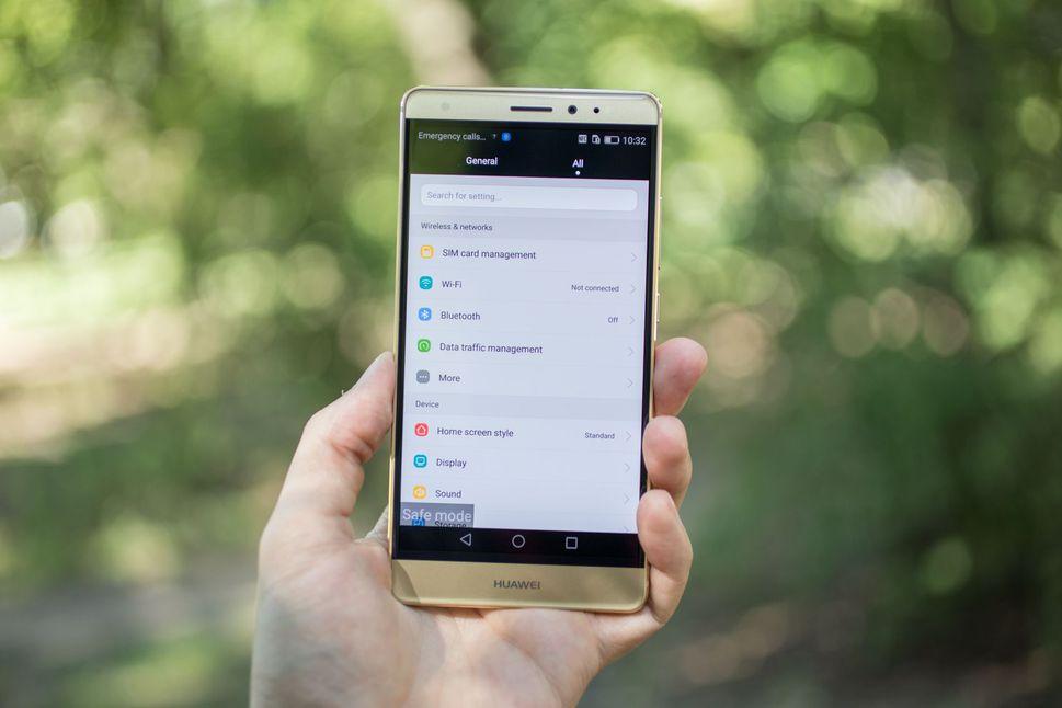 Não usem telefones Huawei, segundo o FBI, CIA, e NSA